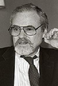 Alan J Pakula